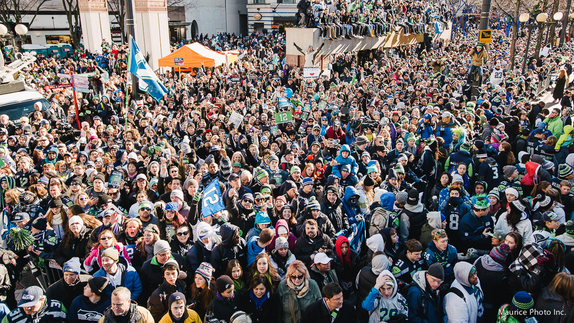 700,000 Seahawks fans take over downtown Seattle